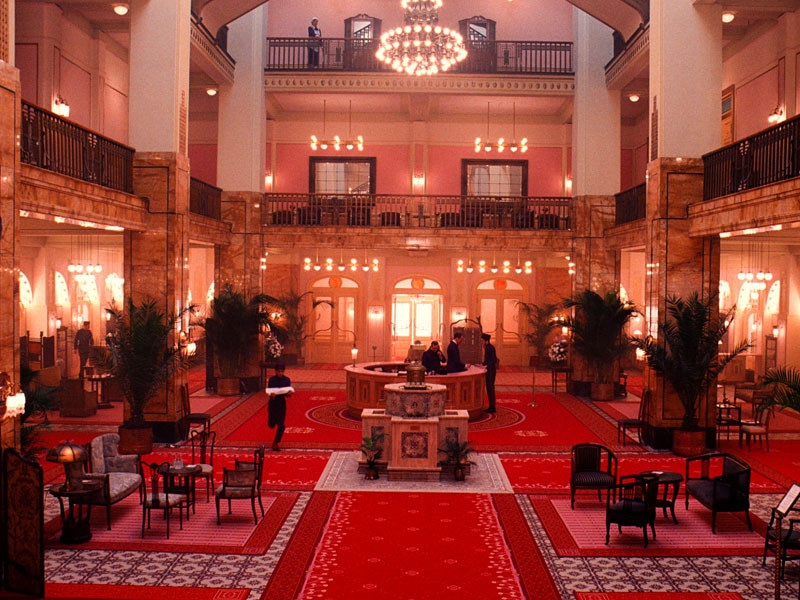 thumb_dam-images-daily-2014-03-grand-budapest-hotel-grand-budapest-hotel-set-05-lobby-german-jugendstil-decor_1024